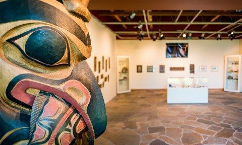 Haida Heritage Centre at Ḵay Llnagaay